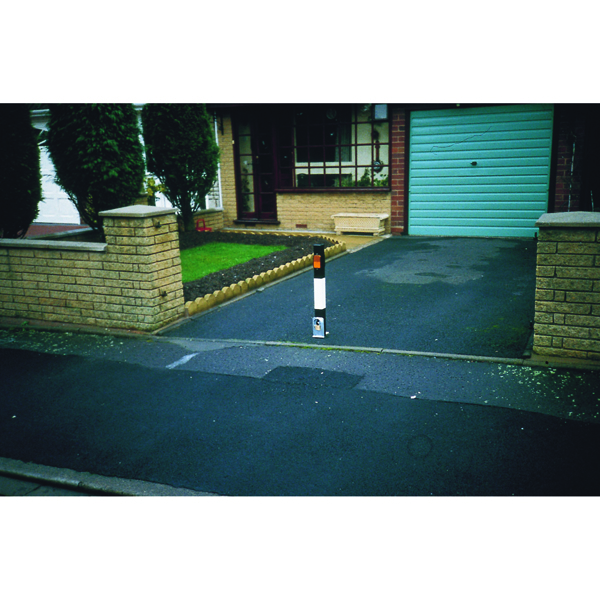VFM Black /White Heavy Duty Removable Steel Bollard Medium 319859